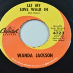 Wanda-Jackson-45-RPM-Let-My-Love-Walk-In-Rockabilly-Rock-Capitol-4723-NM-264209718490-3