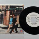 John-Lennon-Yoko-Ono-Watching-the-WheelsYes-Im-Your-Angel-45-RPM-Mint-264744178883-2