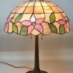 Antique-Leaded-Slag-Glass-Lamp-with-Tulip-Design-by-Unique-Art-Glass-Lamp-Co-264909013394-2