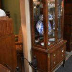 Vintage-Henredon-Lighted-Curio-Cabinet-Bronze-Mounts-Glass-Shelves-Mirrored-Back-265207984304-2