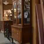 Vintage-Henredon-Lighted-Curio-Cabinet-Bronze-Mounts-Glass-Shelves-Mirrored-Back-265207984304-3