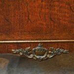 Vintage-Henredon-Lighted-Curio-Cabinet-Bronze-Mounts-Glass-Shelves-Mirrored-Back-265207984304-6