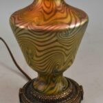 Antique-Iridized-Art-Glass-Table-Lamp-King-Tut-Pattern-193605184275-4