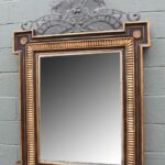 LARGE-SCALE-WOOD-CARVED-MIRROR-WITH-METAL-TOP-W-HOUNDS-DOGS-DETAIL-264656196638